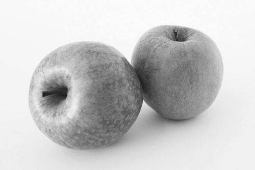 Apple B&W
